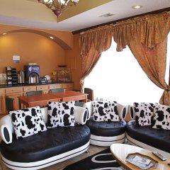 Отель Coach Light Inn гостиничный бар