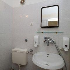 Отель Iceberg Hotel Болгария, Балчик - отзывы, цены и фото номеров - забронировать отель Iceberg Hotel онлайн ванная