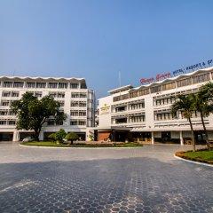 Отель Huong Giang Hotel Resort & Spa Вьетнам, Хюэ - 1 отзыв об отеле, цены и фото номеров - забронировать отель Huong Giang Hotel Resort & Spa онлайн парковка