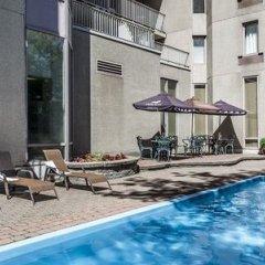 Отель Le Nouvel Hotel & Spa Канада, Монреаль - 1 отзыв об отеле, цены и фото номеров - забронировать отель Le Nouvel Hotel & Spa онлайн бассейн фото 3