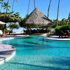 Отель Le Taha'a Island Resort & Spa бассейн