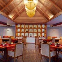 Отель Sheraton Maldives Full Moon Resort & Spa Мальдивы, Остров Фуранафуши - отзывы, цены и фото номеров - забронировать отель Sheraton Maldives Full Moon Resort & Spa онлайн развлечения