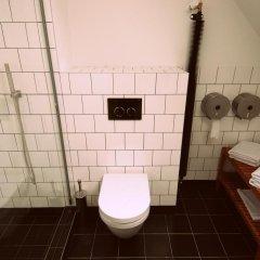 Отель Sir Tobys Hostel Чехия, Прага - 1 отзыв об отеле, цены и фото номеров - забронировать отель Sir Tobys Hostel онлайн ванная фото 2