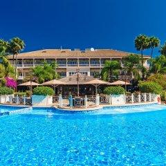 Отель Lindner Golf Resort Portals Nous бассейн