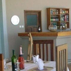 Отель Elmina Bay Resort гостиничный бар