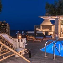 Отель Damma Beachfront Luxury Villa Греция, Остров Санторини - отзывы, цены и фото номеров - забронировать отель Damma Beachfront Luxury Villa онлайн бассейн фото 2