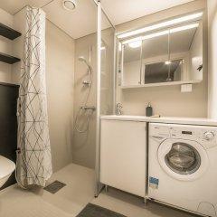 Отель Spot Apartments Hiekkaharju Финляндия, Вантаа - отзывы, цены и фото номеров - забронировать отель Spot Apartments Hiekkaharju онлайн ванная