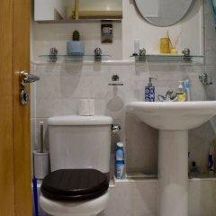 Апартаменты Modern 2 Bedroom Apartment With Stunning Views Лондон ванная