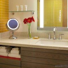 Отель Dream Inn Santa Cruz США, Санта-Крус - отзывы, цены и фото номеров - забронировать отель Dream Inn Santa Cruz онлайн ванная