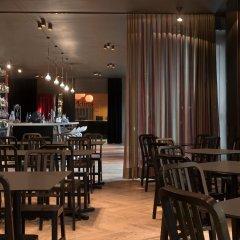 Отель Adina Apartment Hotel Berlin Hackescher Markt Германия, Берлин - 2 отзыва об отеле, цены и фото номеров - забронировать отель Adina Apartment Hotel Berlin Hackescher Markt онлайн гостиничный бар