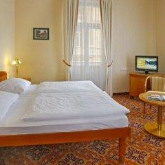 Отель Danubius Health Spa Resort Hvězda-Imperial-Neapol сейф в номере фото 2