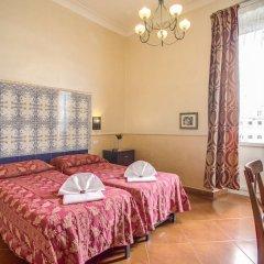 Hotel Caravaggio сейф в номере