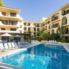 Отель Apartamentos Delfin Casa Vida бассейн