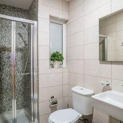 Отель Saint Julian's Penthouse Apartment Мальта, Сан Джулианс - отзывы, цены и фото номеров - забронировать отель Saint Julian's Penthouse Apartment онлайн ванная