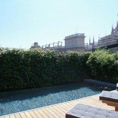 Hotel De La Ville бассейн