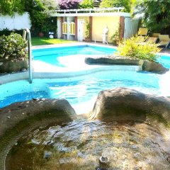 Отель ANATOL Меран бассейн