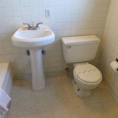 Отель Holiday Motel США, Лас-Вегас - отзывы, цены и фото номеров - забронировать отель Holiday Motel онлайн ванная