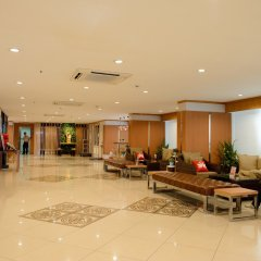 Отель Zen Rooms Ratchaprarop Бангкок интерьер отеля