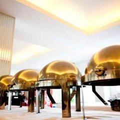 Отель The Platinum Suite Бангкок гостиничный бар
