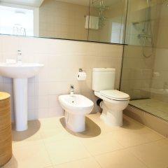 Апартаменты Monarch House Serviced Apartments Лондон ванная
