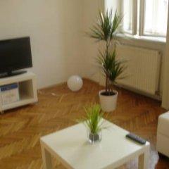 Апартаменты Vienna-apartment-one Halbgasse Вена комната для гостей фото 4