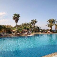 Отель Villa Jasmine By The Sea бассейн