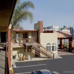 Отель Americas Best Value Inn - Dodger Stadium/Hollywood Лос-Анджелес балкон