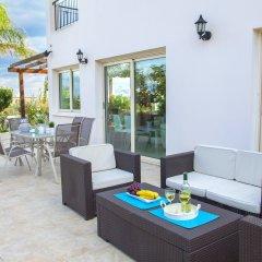 Отель Villa Crystal Sea Кипр, Протарас - отзывы, цены и фото номеров - забронировать отель Villa Crystal Sea онлайн гостиничный бар