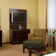 Гостиница Hilton Москва Ленинградская 5* Стандартный номер с двуспальной кроватью фото 11