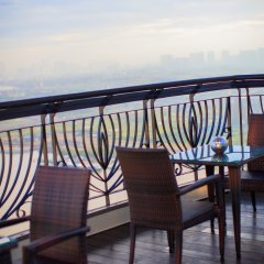 Renaissance Riverside Hotel Saigon балкон