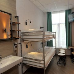 Отель Tourist Inn Budget Hotel - Hostel Нидерланды, Амстердам - 1 отзыв об отеле, цены и фото номеров - забронировать отель Tourist Inn Budget Hotel - Hostel онлайн комната для гостей фото 6