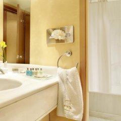 Отель Athens Marriott Hotel Греция, Афины - 3 отзыва об отеле, цены и фото номеров - забронировать отель Athens Marriott Hotel онлайн ванная