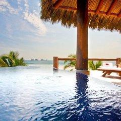 Отель Las Palmas Resort & Beach Club Мексика, Коакоюл - отзывы, цены и фото номеров - забронировать отель Las Palmas Resort & Beach Club онлайн бассейн