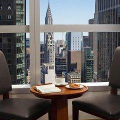 Отель Millennium Times Square New York США, Нью-Йорк - отзывы, цены и фото номеров - забронировать отель Millennium Times Square New York онлайн балкон