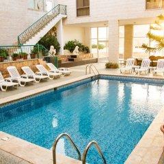 Отель Alanbat Hotel Иордания, Вади-Муса - отзывы, цены и фото номеров - забронировать отель Alanbat Hotel онлайн бассейн фото 2