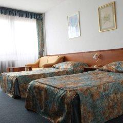 Hotel I комната для гостей