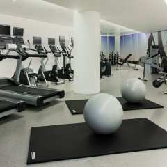 DoubleTree by Hilton Hotel Amsterdam Centraal Station фитнесс-зал фото 3
