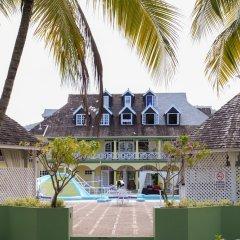 Отель SandCastles Deluxe Beach Resort фото 2