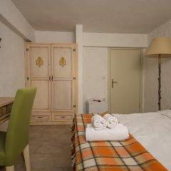 Отель Otello Alacati Чешме сейф в номере
