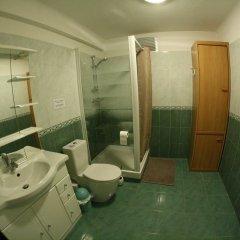 Отель Five Bedrooms Seaview House, Old Town Франция, Ницца - отзывы, цены и фото номеров - забронировать отель Five Bedrooms Seaview House, Old Town онлайн ванная