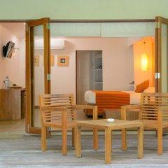 Отель Adaaran Select Hudhuranfushi Остров Гасфинолу комната для гостей фото 5