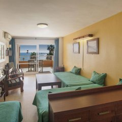 Отель Apartamentos Jabega Испания, Фуэнхирола - отзывы, цены и фото номеров - забронировать отель Apartamentos Jabega онлайн комната для гостей фото 5