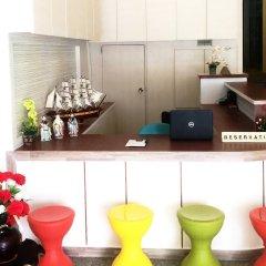 Phuthara Hostel интерьер отеля