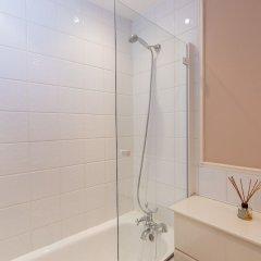 Отель 2 Bedroom Apartment in the Heart of Pimlico Великобритания, Лондон - отзывы, цены и фото номеров - забронировать отель 2 Bedroom Apartment in the Heart of Pimlico онлайн ванная