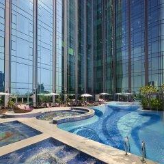 Отель The Reverie Saigon Вьетнам, Хошимин - отзывы, цены и фото номеров - забронировать отель The Reverie Saigon онлайн бассейн фото 2