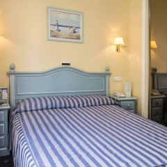 Отель Villa de Laredo Испания, Фуэнхирола - отзывы, цены и фото номеров - забронировать отель Villa de Laredo онлайн комната для гостей