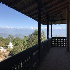 Отель The Fort Resort Непал, Нагаркот - отзывы, цены и фото номеров - забронировать отель The Fort Resort онлайн балкон