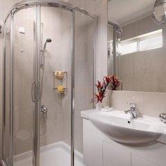 Отель Blazer Suites Hotel Греция, Афины - 1 отзыв об отеле, цены и фото номеров - забронировать отель Blazer Suites Hotel онлайн ванная