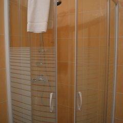 Отель Sun Rise Hotel Бельгия, Брюссель - отзывы, цены и фото номеров - забронировать отель Sun Rise Hotel онлайн ванная фото 2