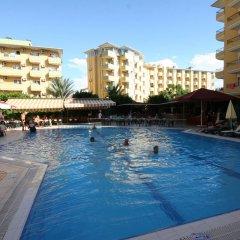 Отель Kleopatra Royal Palm Аланья бассейн
